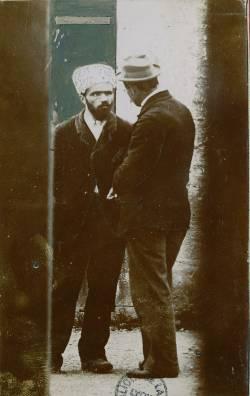 Photographie de Joseph Vacher avec Emile Fourquet, dans Album de pièces photographiques et imprimées